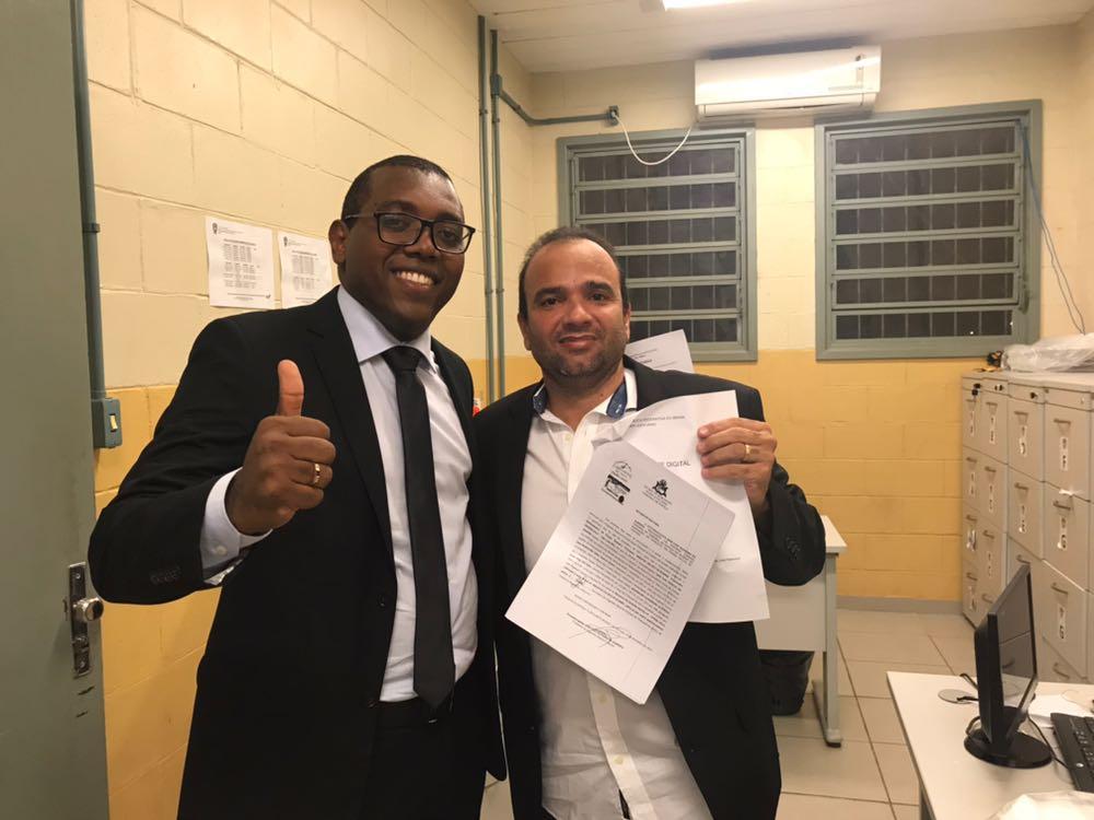 Junior Bolinha e advogado