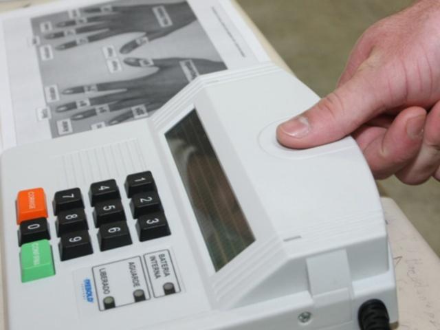 votação biométrica simulada