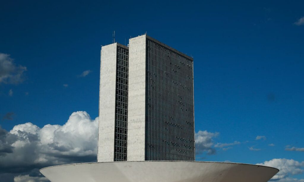 Conselho de Ética adia decisão sobre deputado Boca Aberta