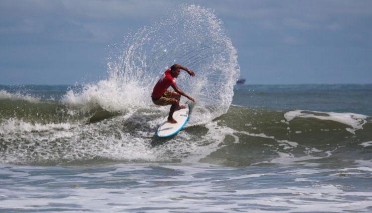 Evento de surf acontece em São Luís