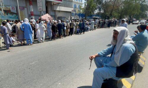 Talibã nomeia novo governo afegão em meio a protestos em Cabul