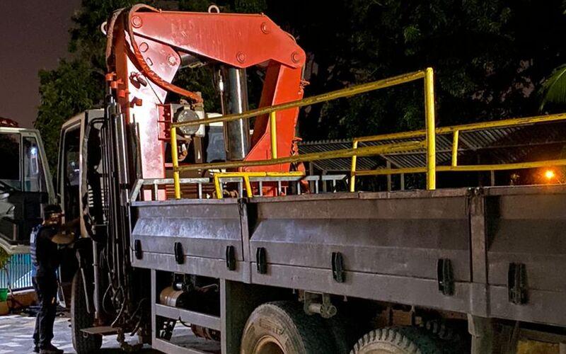 Suspeitos são presos por furtar material de construção na Estrada de Ribamar