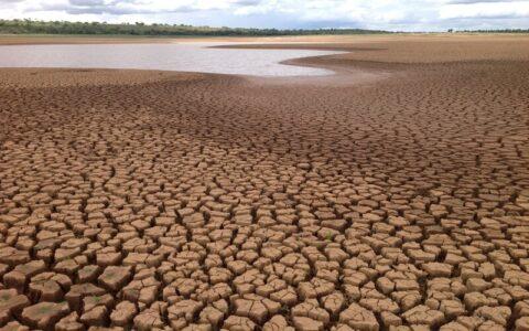 Crise hídrica pressiona produção de energia elétrica e alimentos