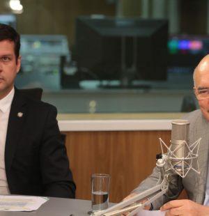 O secretário Tomas Dias Sant'Ana e o ministro da Educação, Milton Ribeiro, participa do programa A Voz do Brasil