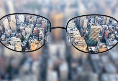 como-uma-pessoa-com-miopia-enxerga-1024x585